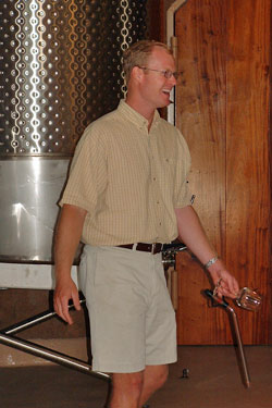 Kirk-venge- in his cellar